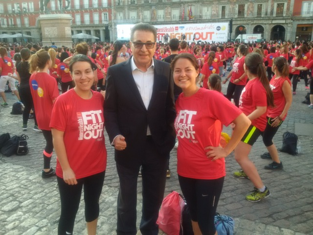 Dr. Kerim with participants from the Womens Health Evening in Madrid